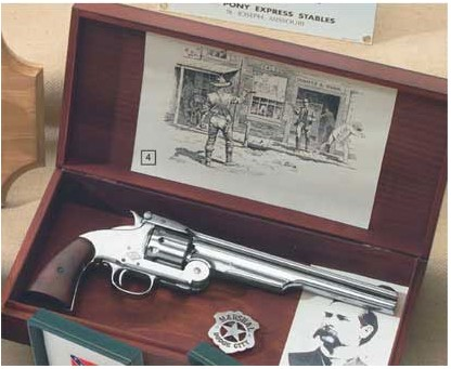 Wyatt Earp replica gun boxed display