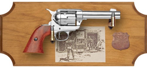 Wyatt Earp replica gun framed set, light wood